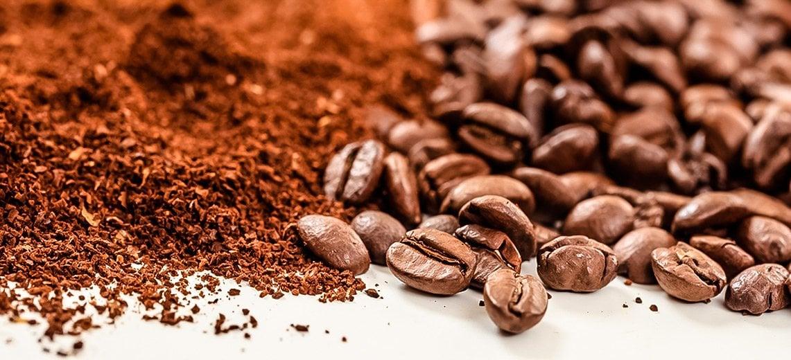 Cafe molido y cafe en grano, lavazza, historia del café, fanaticos del cafe, cafe taza